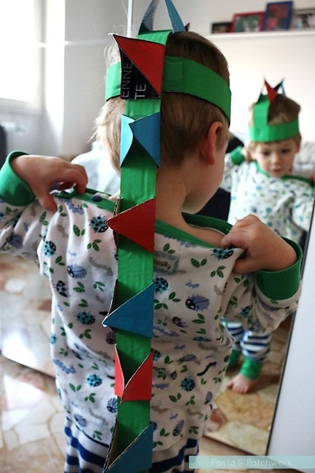 Pasta & Patchwork Winter 2014-15 Project Round-up: DIY Toddler Dinosaur Headband (link to tutorial in post)